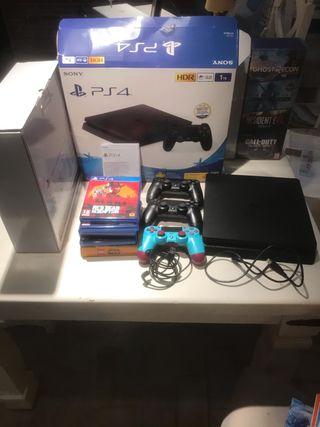 PS4 Slim 1Tb + 3 mandos + 6 juegos (negociable)