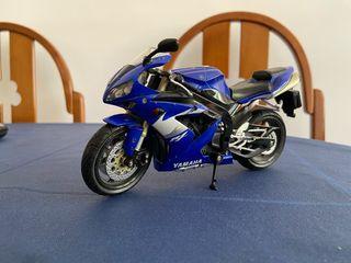 Vendo maqueta moto