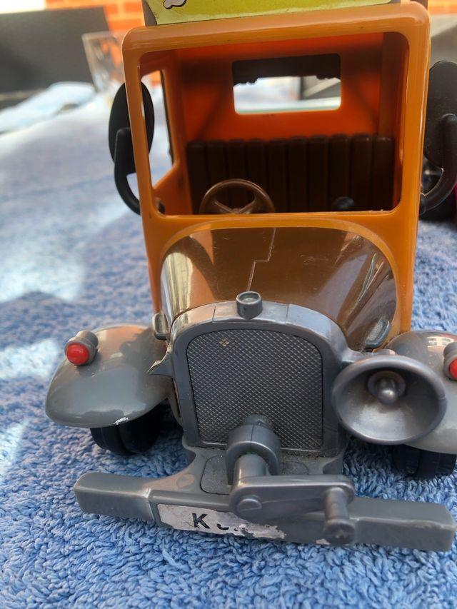 Postman pat vehicles