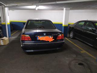 BMW 740 IL (1998)