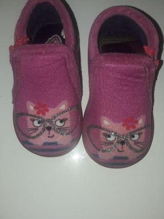 zapatillas bebé niña talla 20