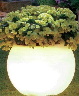Maceteros de exterior con iluminación led