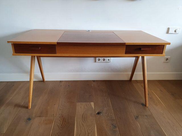 Mesa escritorio estilo nórdico