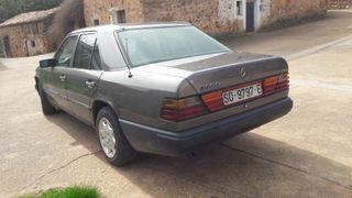 Mercedes 300D en perfecto estado