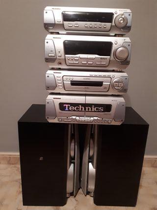 Equipo de música technics + 2 altavoces
