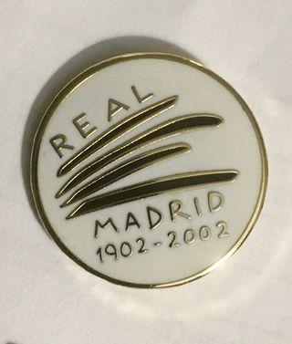 Pin fútbol centenario Real Madrid 1902-2002