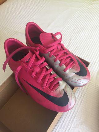 Zapatillas de fútbol. Nike mercurial . Talla 33.5