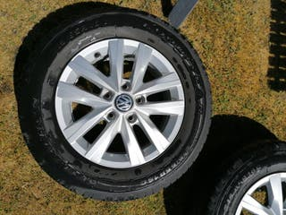 "vw alloy wheels 16 "" 2018 whit Goodyear tyres"