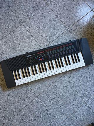 Piano eléctrico Casio CTK-200