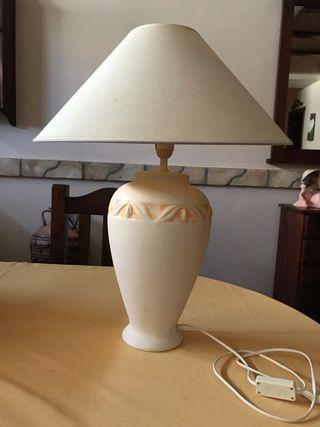 Lámpara medidas 60 de alto x 49 diámetro