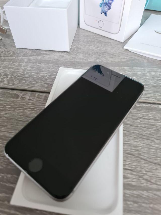 APPLE iPhone 6S - 32GB Silver - UNLOCKED