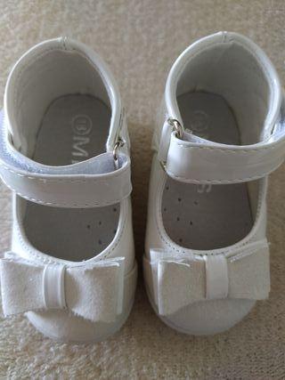 Zapatos bebe lazo
