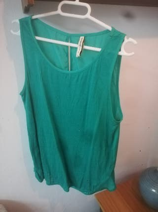 camiseta de tirantes verde Stradivarius