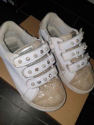 Deportivas zapatillas Gioseppo niña numero 28