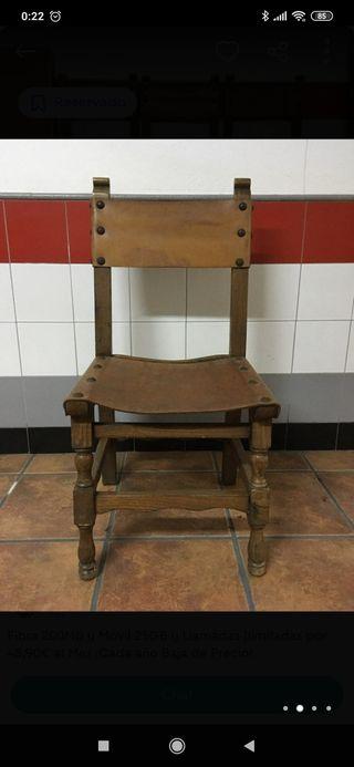 sillas de madera maciza y cuero vintage