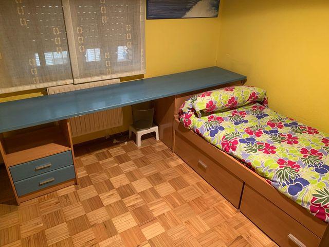 Habitación completa de estudio