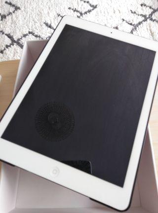 iPad A1474. 16 GB. 2014