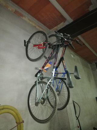 Dos bicicletas BH