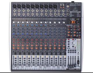 Mesa de mezclas Behringer X2442 USB