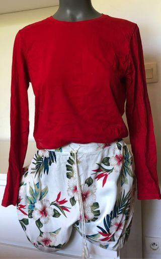 Conjunto de Bermuda flores y camiseta