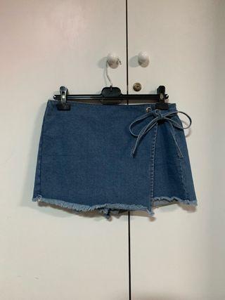 Falsa pantalon