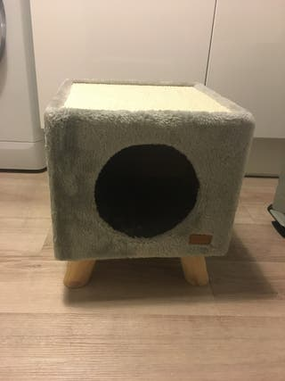 Maison pour chat avec griffoir