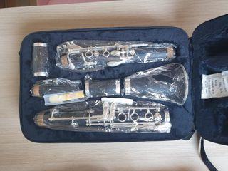 Clarinete nuevo sin estrenar.