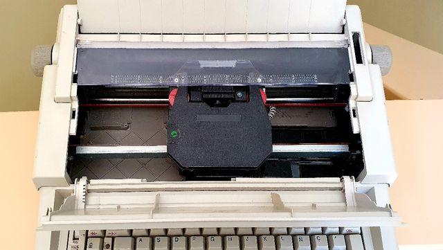 Máquina de escribir eléctrica vintage