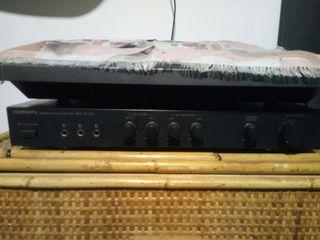 amplificador karaoke con altaboces 100 w .