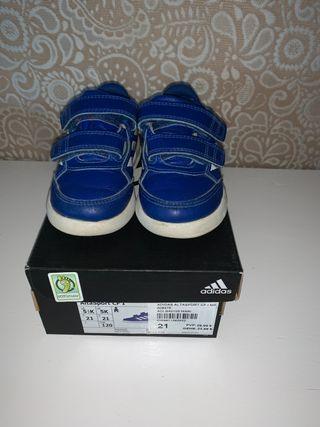 Adidas bebé niño 21 + regalo