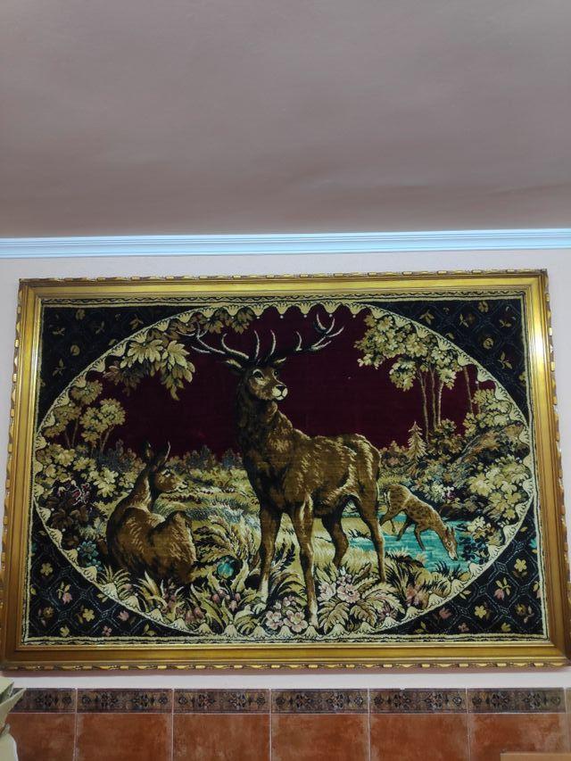 Cuadro con tapiz ciervo