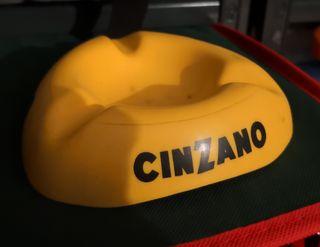 Cenicero vintage publicidad marca Cinzano, años 70