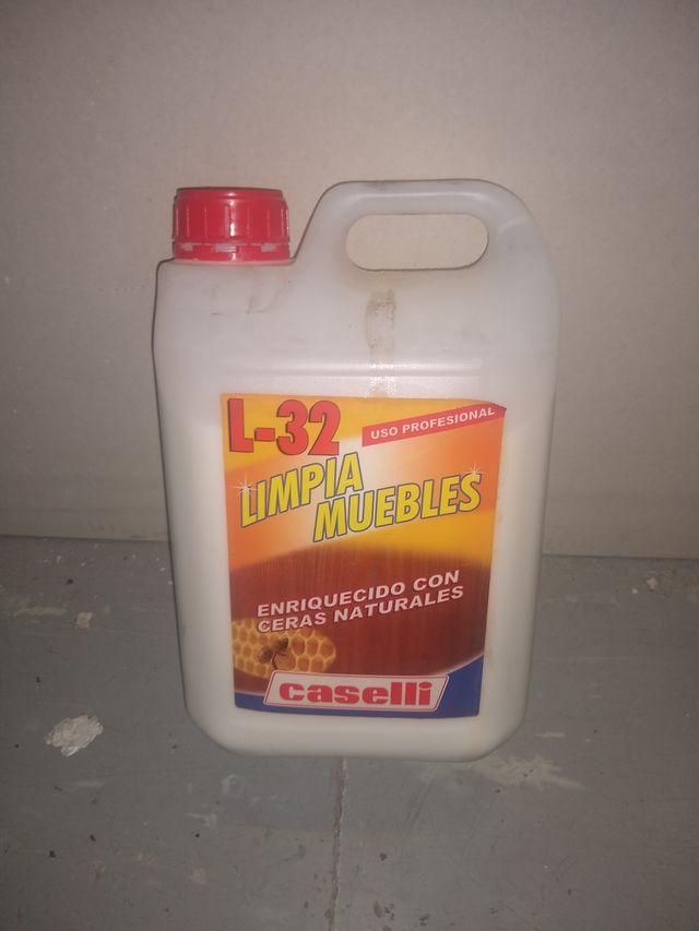 LIMPIAMUEBLES CASELLI L-32
