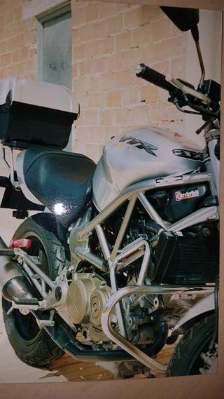 Honda vtr 250 bicilindrica