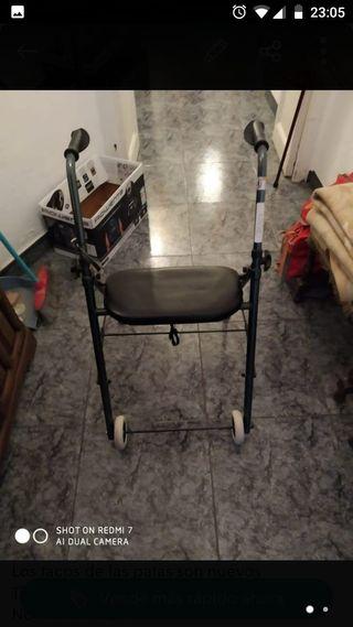 Andador de aluminio ligero y con asiento