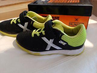 Zapatillas fútbol talla 30
