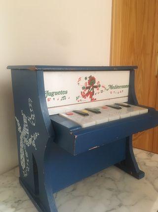 Piano antiguo de juguete