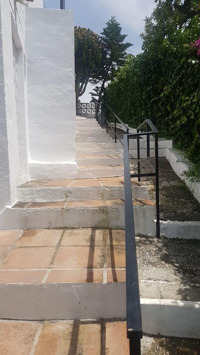 Casa rural en la carretera Nerja-Frigiliana (Frigiliana, Málaga)