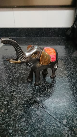 elefante figura pequeña