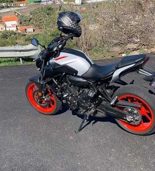 Moto Yamaha mt07