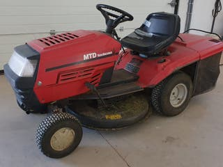 Tractor cortacesped MTD