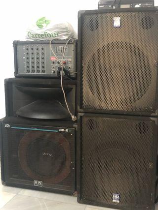 Equipo de sonido . Equipo de música