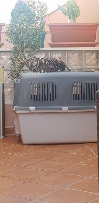 caseta para perro grande