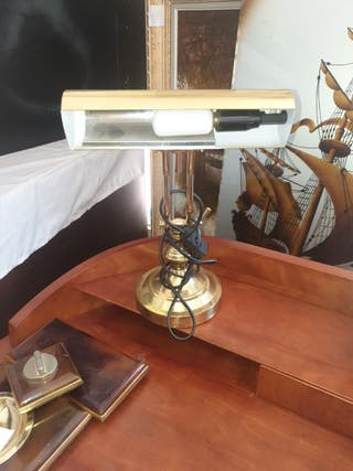 preciosa lámpara despacho