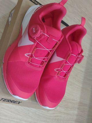 Zapatillas Terrex Teo BOA W talla 38 2/3.