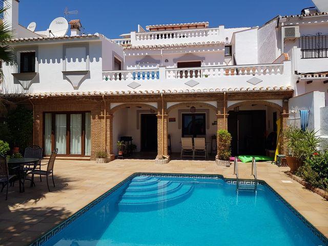 Execelente y amplia casa en pleno centro Fuengirola.