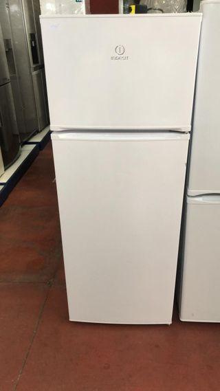 frigorífico Indesit nuevo