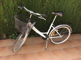 Bicicleta de paseo marca BH modelo bolero