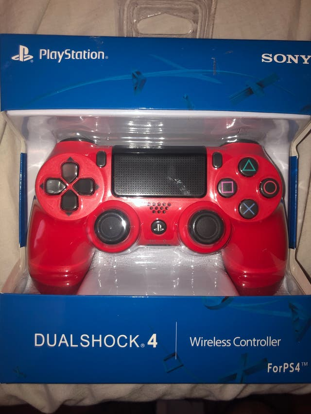 NEVER USED SONY PS4 CONTROLLER