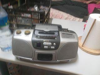 minicadena cassette portátil Aiwa funciona muy bie